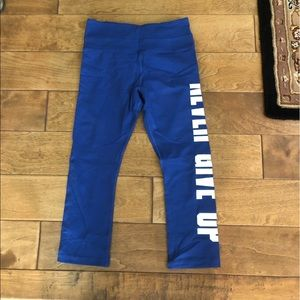 Blue Never Give Up cropped leggings